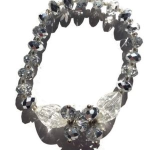 Avon Sparkling clear beaded stretch bracelet
